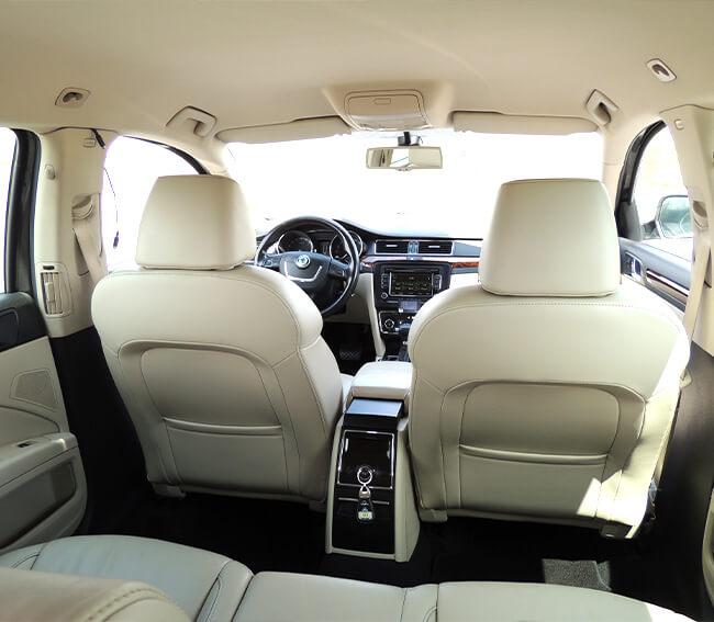 TB Taxi Tábor-Škoda Superb interiér